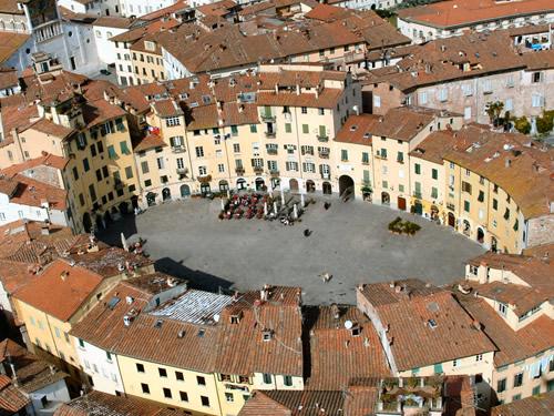 capodanno lucca in piazza in centro storico foto